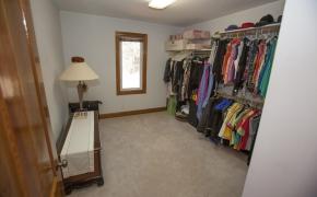 master-bedroom-closet