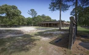 Equestrian 18 Stall Barn