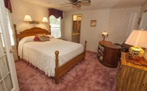 Deep River Master bedroom