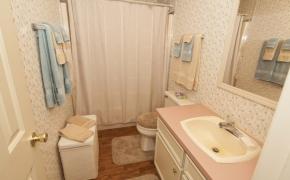 Deep River bathroom