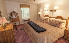 Deep River bedroom 2