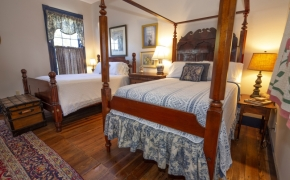 Magnolia Manor Carriage House Suite