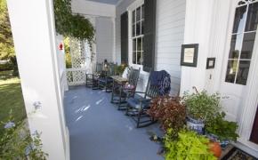 Magnolia Manor Front Porch 2