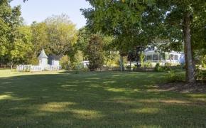 Magnolia Manor Grounds 6