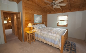 Guildford Horse Farm Bedroom1