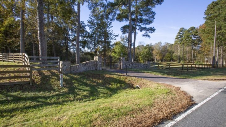 Pulley Town Road Horse Farm for Sale